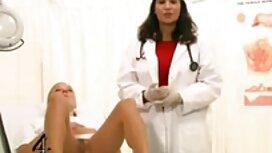 زن جوان سرطان سیاه و سفید در مقابل شوهرش و دست در فیلم سکسی دانلود مستقیم دست.
